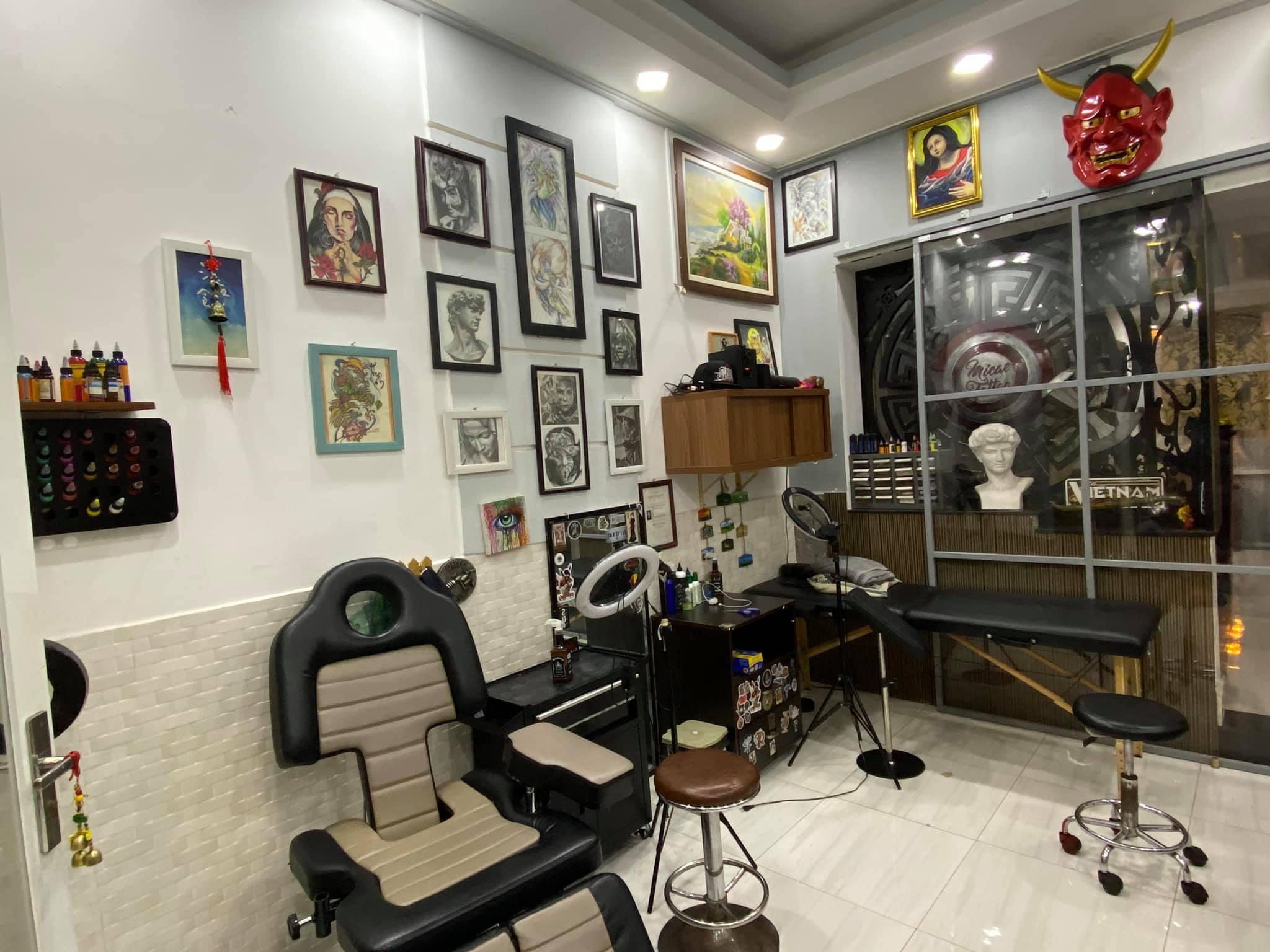 Không gian thoáng mát rộng rãi tại tiệm xăm Micae tatto