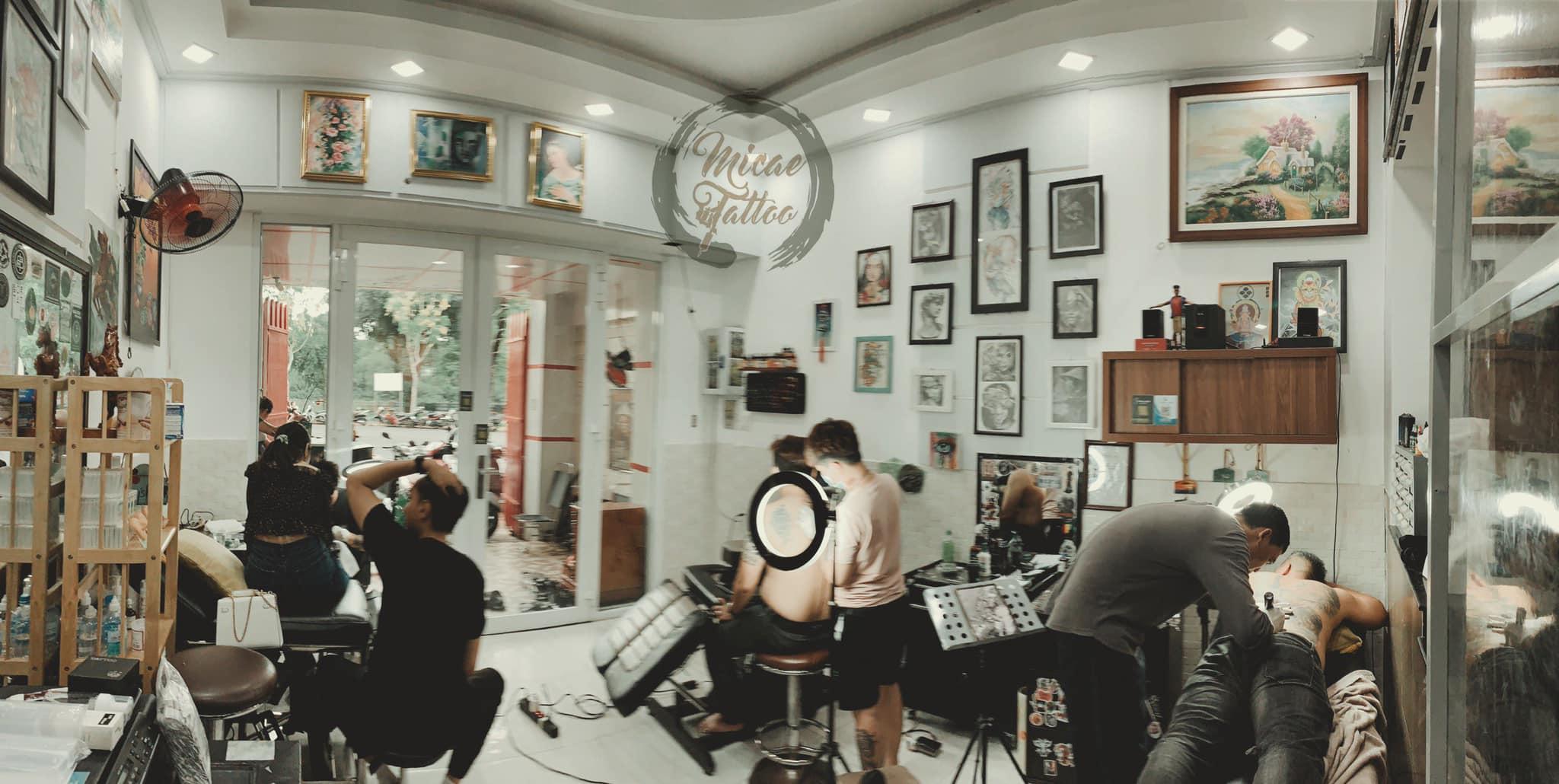 Không gian bên trong tại tiệm xăm Micae Tattoo & Piercing Sài Gòn