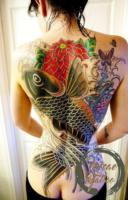 xăm hình cá chép bít lưng
